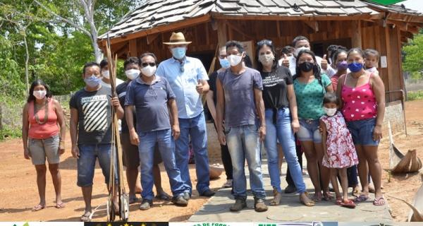 Empresário se reúne com indígenas para fortalecer ações por projeto florestal